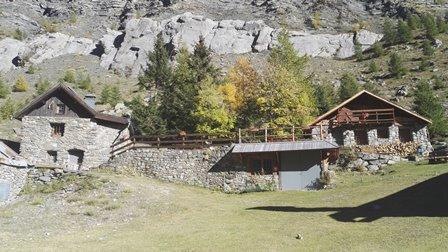 Parc National des Ecrins hameau Chambran